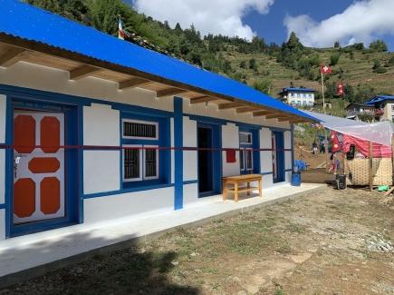Schickes, zweckmässiges Gemeinschaftshaus in Dimil
